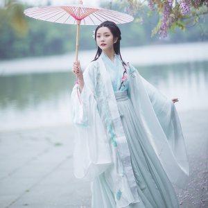 羽弦歌#漱玉词汉服 剑网三长歌衍生刺绣 晋襦 大袖衫 传统 非古装