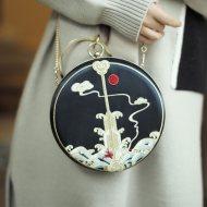 【十三余 小豆蔻儿】[海水江崖]刺绣单肩斜挎手提绣花包日常搭配